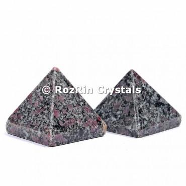 Ruby Turmaline Pyramid